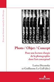 Téléchargez le livre :  Photo / Objet / Concept