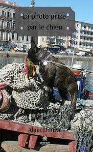Téléchargez le livre :  La photo prise par le chien