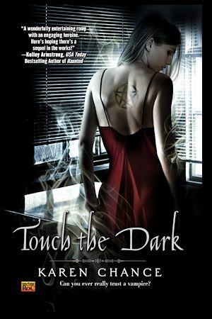 Téléchargez le livre :  Touch The Dark