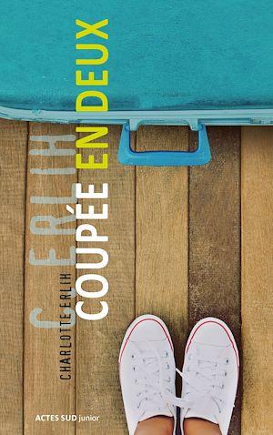 Téléchargez le livre :  Coupée en deux