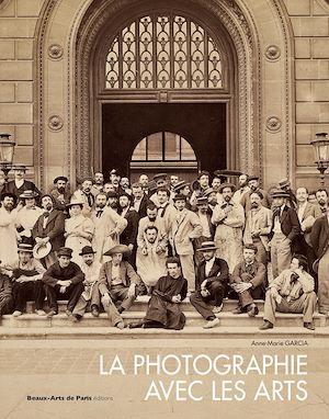 Téléchargez le livre :  La Photographie avec les arts